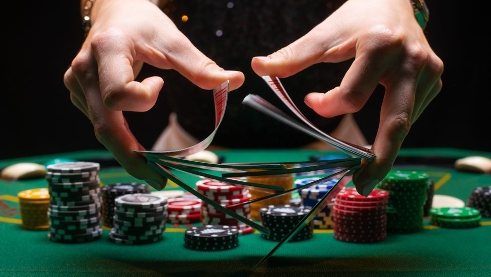 When Professionals Run Into Issues With Online Casino, This is What They Do